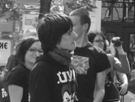 Demofest v černobílých barvách