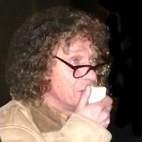 <!--:cs-->Pražské povstanie proti neonacistovi Mariánu Kotlebovi: Raději zapálit svíčku, než proklínat temnotu.<!--:-->