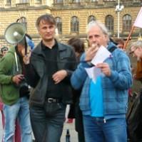 <!--:cs-->Revoluce začíná, tentokrát už ne tak sametová - v Praze se demonstrovalo proti praktikám exekutorů<!--:-->
