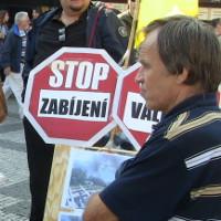 <!--:cs-->Zpráva občanských iniciativ o průběhu státního svátku v Praze a o cenzurních metodách veřejnoprávní ČT<!--:-->