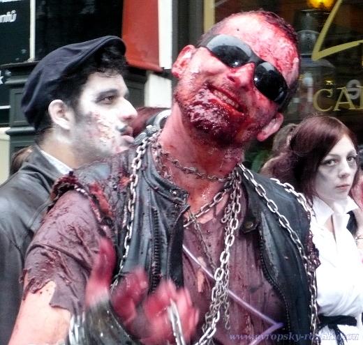 Všechny tady zabiju, ilustrační obrázek ze Zombie Walku 2013.