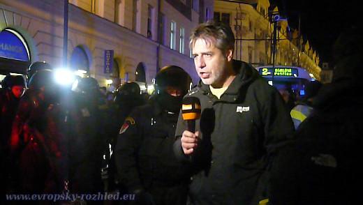 Mediální pokrytí událostí ze 17. listopadu bylo dostačující, přestože novináři na akcích nejsou vítáni ani demonstranty, ani policisty