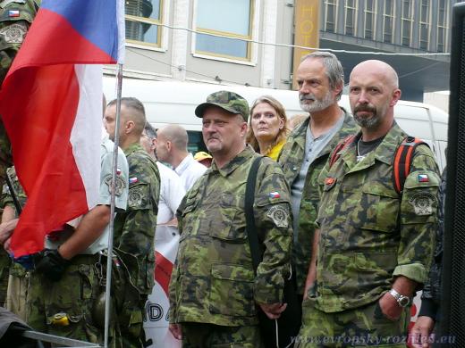 Národní domobrana - Ilustrační obrázek z demonstrace Lucie Haškové na Václavském náměstí v Praze, 17. 9. 2016