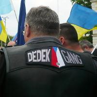 Čeští Noční vlci vyhrožovali před koncertem Alexandrovců Tomaszi Peszynskému