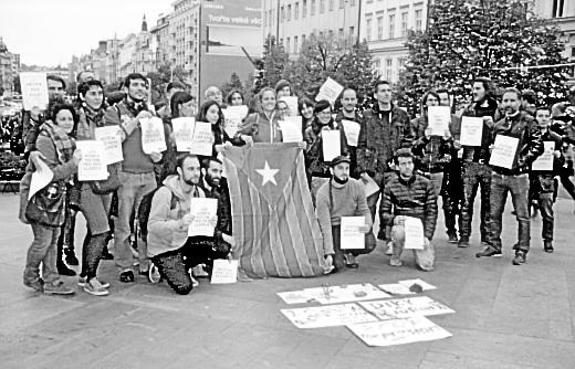 Katalánci demonstrují proti zatýkání členů katalánské vlády ve Španělsku, Praha 21. 9. 2017