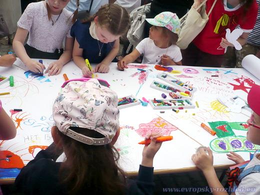 Většina dětí na akci kreslila obrázky.