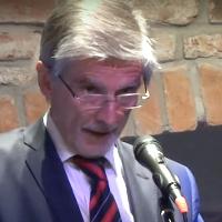 Ján Kuciak obdržel Krameriovu cenu. Kdo je Peter Weiss, který za něj cenu přijal?