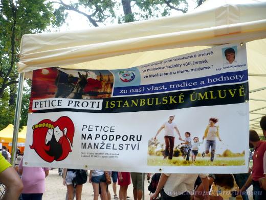 Na Střeleckém ostrově byla k podepsání petice proti ratifikaci Istanbulské úmluvy.