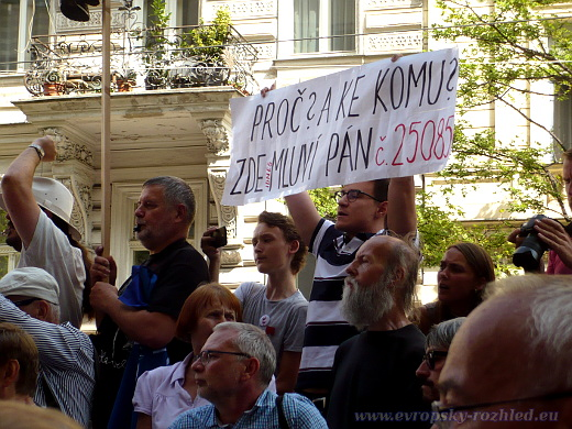Mnozí z veřejnosti vystupovali proti premiéru Babišovi.