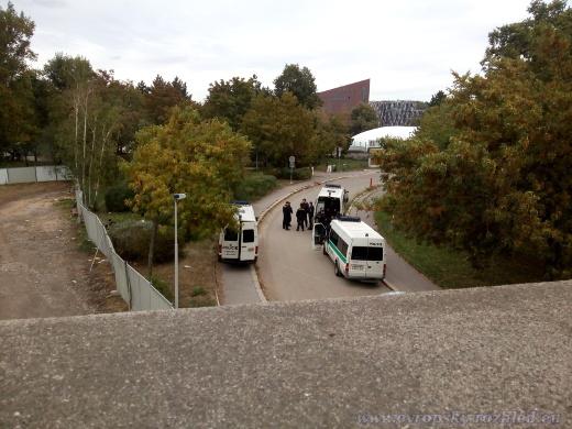 Policejní manévry na ostrově Štvanice.