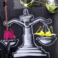 Prahou prošel DIY Karneval tentokrát se zaměřením na práva žen