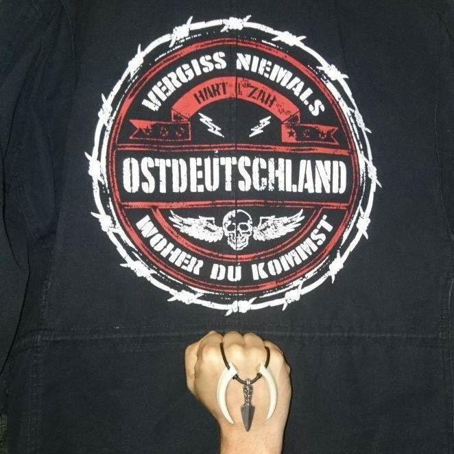 Symbol na bundě Arthura Österleho.