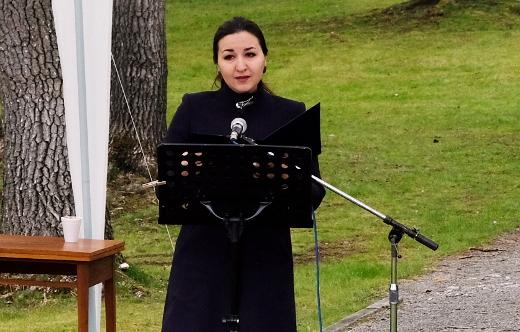 Zástupkyně ruského velvyslanectví mluvila o zásluhách Rudé armády a protihitlerovské koalice a varovala před přepisováním dějin. Foto: Jan Macháček