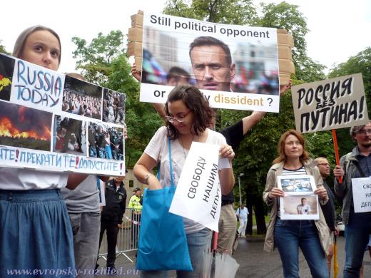 Demonstrace proti brutalitě Vladimíra Putina