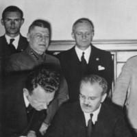 Zápisky z přednášky Zapomenutá válka? Evropa mezi Berlínem a Moskvou (část 2.)