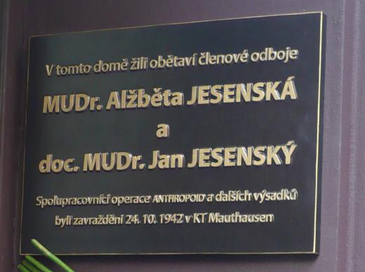 Pamětní deska manželům Jesenským
