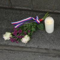 V Resslově ulici leží na schodech dopis pro Lídu