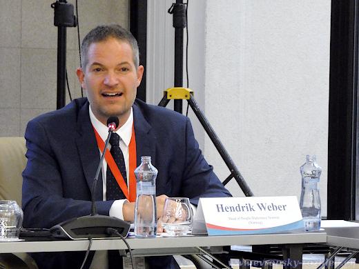 Hendrik Weber pořádá delegace na okupovaná území Krymu.