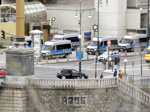 Stanoviště vozů Policie ČR u Hotelu InterContinental Prague