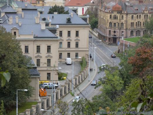 Úřad vlády vyfocený z Letenského profilu