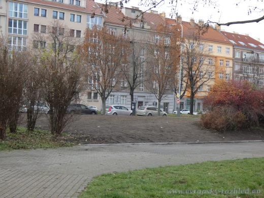V sobotu 5. prosince 2020 už po památníku maršála Ivana Stěpanoviče Koněva nebyla na náměstí Interbrigády ani stopa.