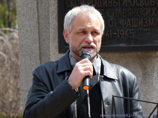 Vladimír Vančický měl jako jediný projev v češtině.