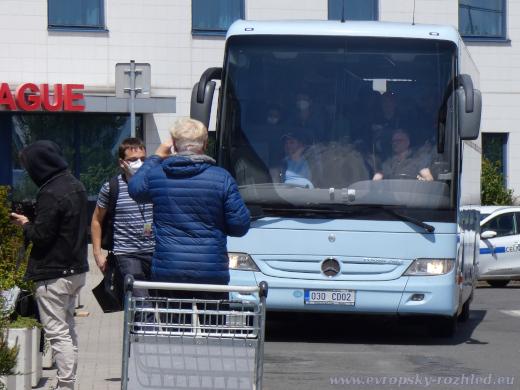 Diplomatický autobus