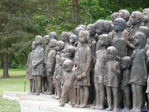 Pomník dětských obětí války.