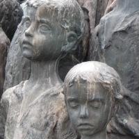 Veřejnost si připomněla vyhlazení Lidic i přes vyloučení z oficiální státní piety