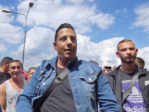 Na shromáždění přišlo několik stovek Romů.
