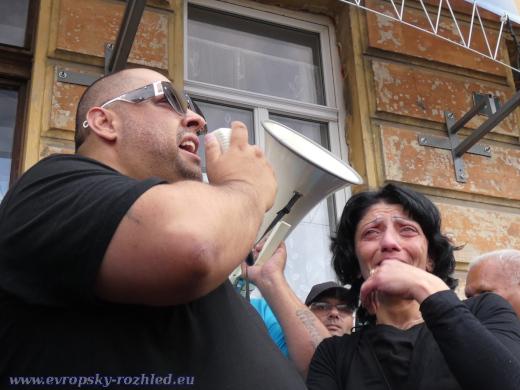 Sestra Stanislava Tomáše plakala. Romové ji prohlásili za svou sestru.