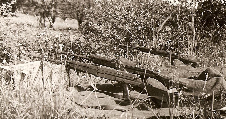 """Ticho před střelbou © foto """"československý voják"""""""